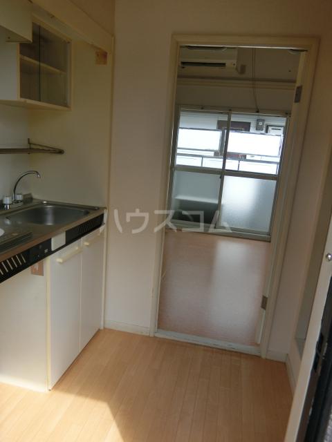 インペリアル 1-201号室のキッチン