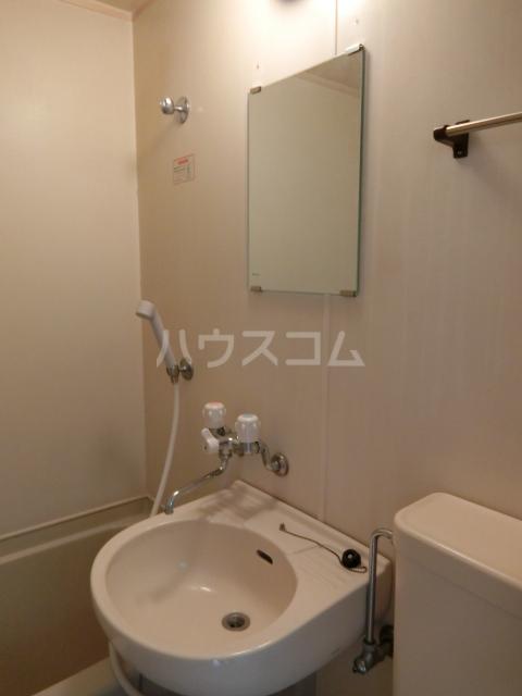 インペリアル 1-201号室の洗面所