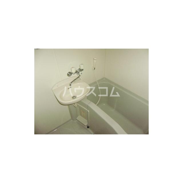 マーメイド湘南 205号室の風呂