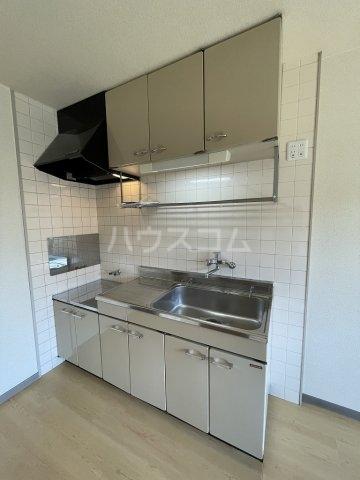 ラルジャンC館 303号室のキッチン