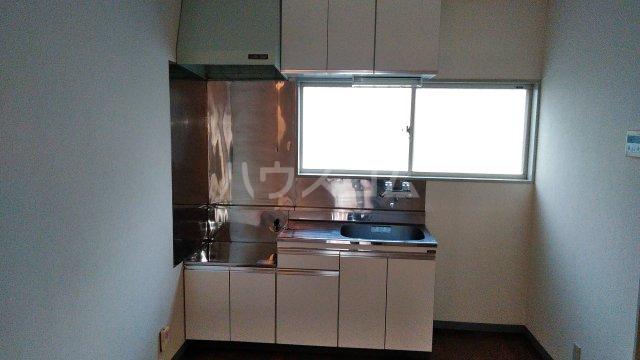 コミュニティープラザE 103号室のキッチン