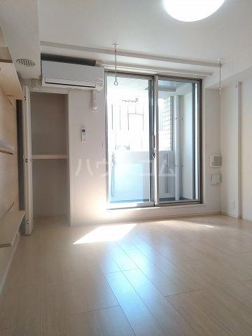 サイドパーク 02070号室のリビング