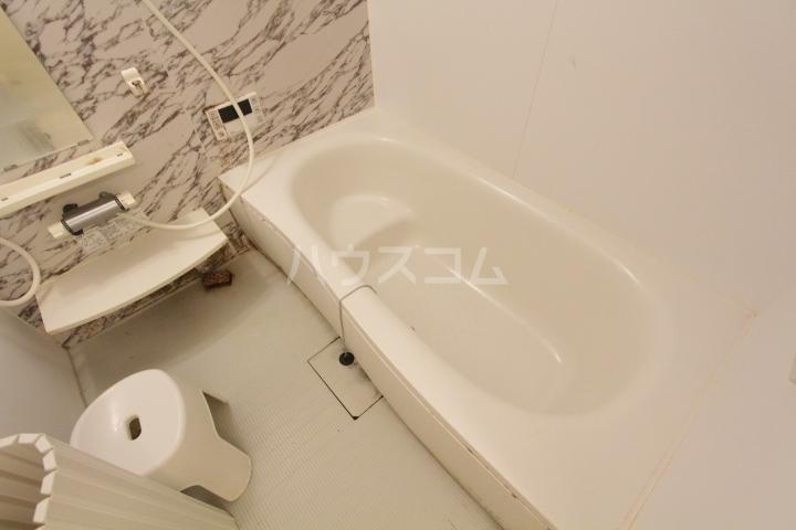 あいりす浄水 1-F号室の風呂
