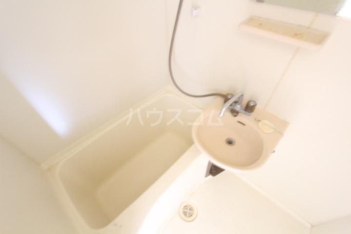 グリーンヒルズKATOH 111号室の風呂