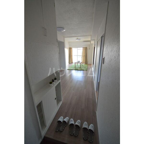 インフィール茜部 4A号室の玄関