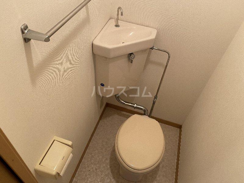 サンライズ蒲田 303号室のトイレ