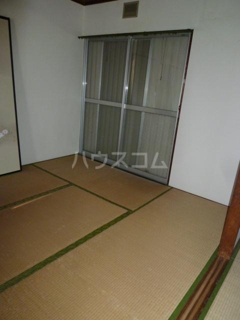 コーポ栄 201号室の居室