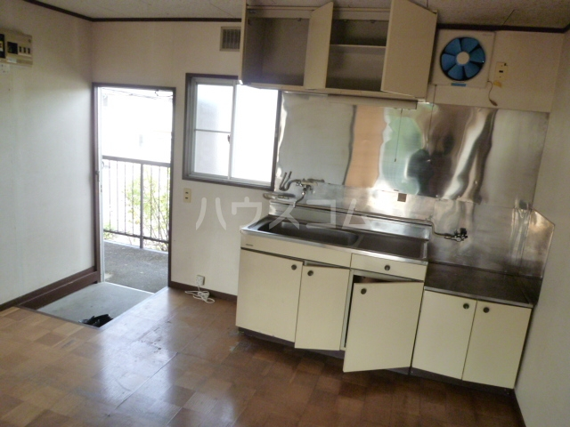 コーポ栄 201号室のキッチン