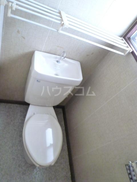コーポ栄 201号室のトイレ