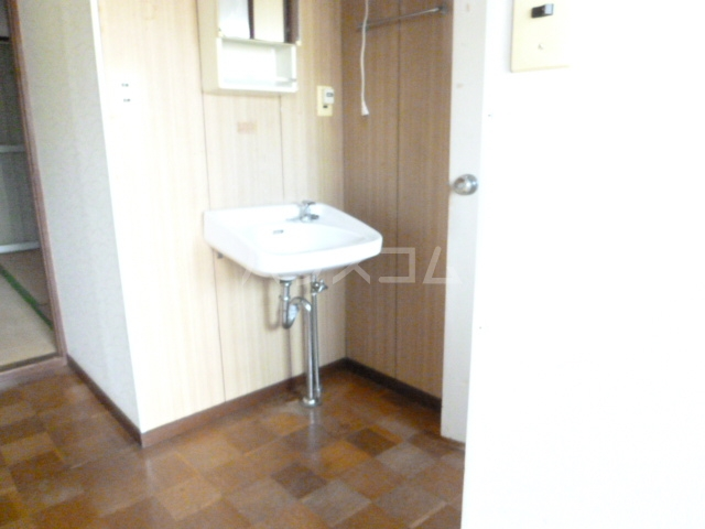 コーポ栄 201号室の洗面所