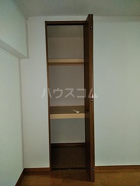 東和マンション 203号室の収納