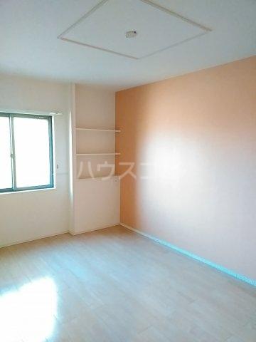 ヴィラ・ウエノ 01010号室のベッドルーム