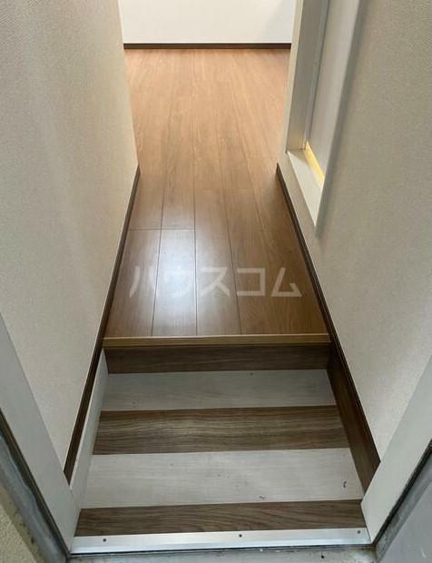 ヴィラ長崎A 105号室の玄関