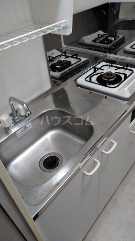 パークサイド鈴木 302号室のキッチン