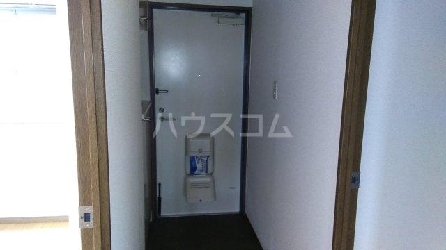 パストラル湘南 301号室の玄関