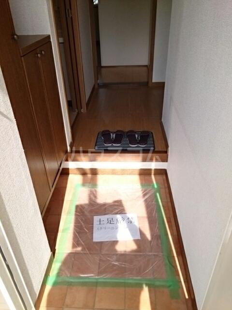 グリーンコーポB 01030号室の玄関