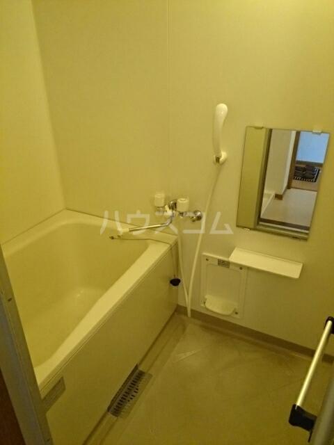 グリーンコーポB 01030号室の風呂