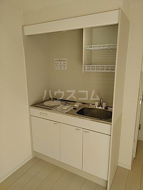 クレーンイーストヒルズ 101号室のキッチン