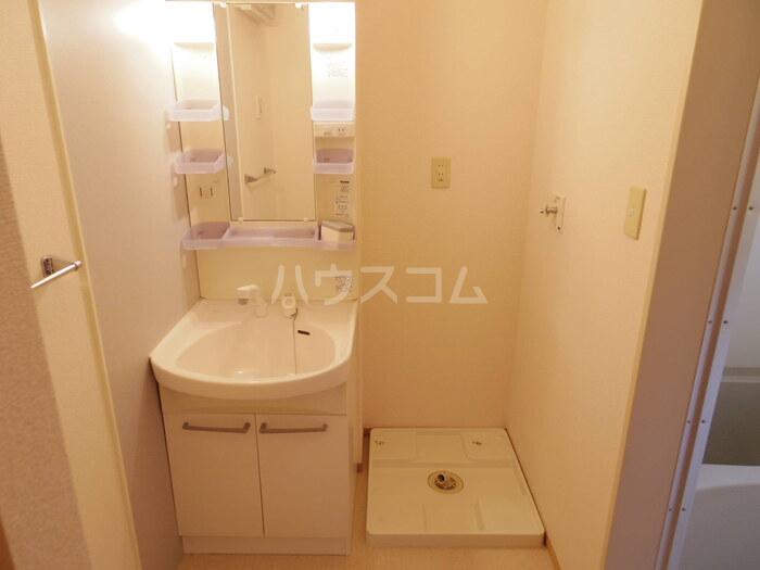 ボヌールA 101号室の洗面所