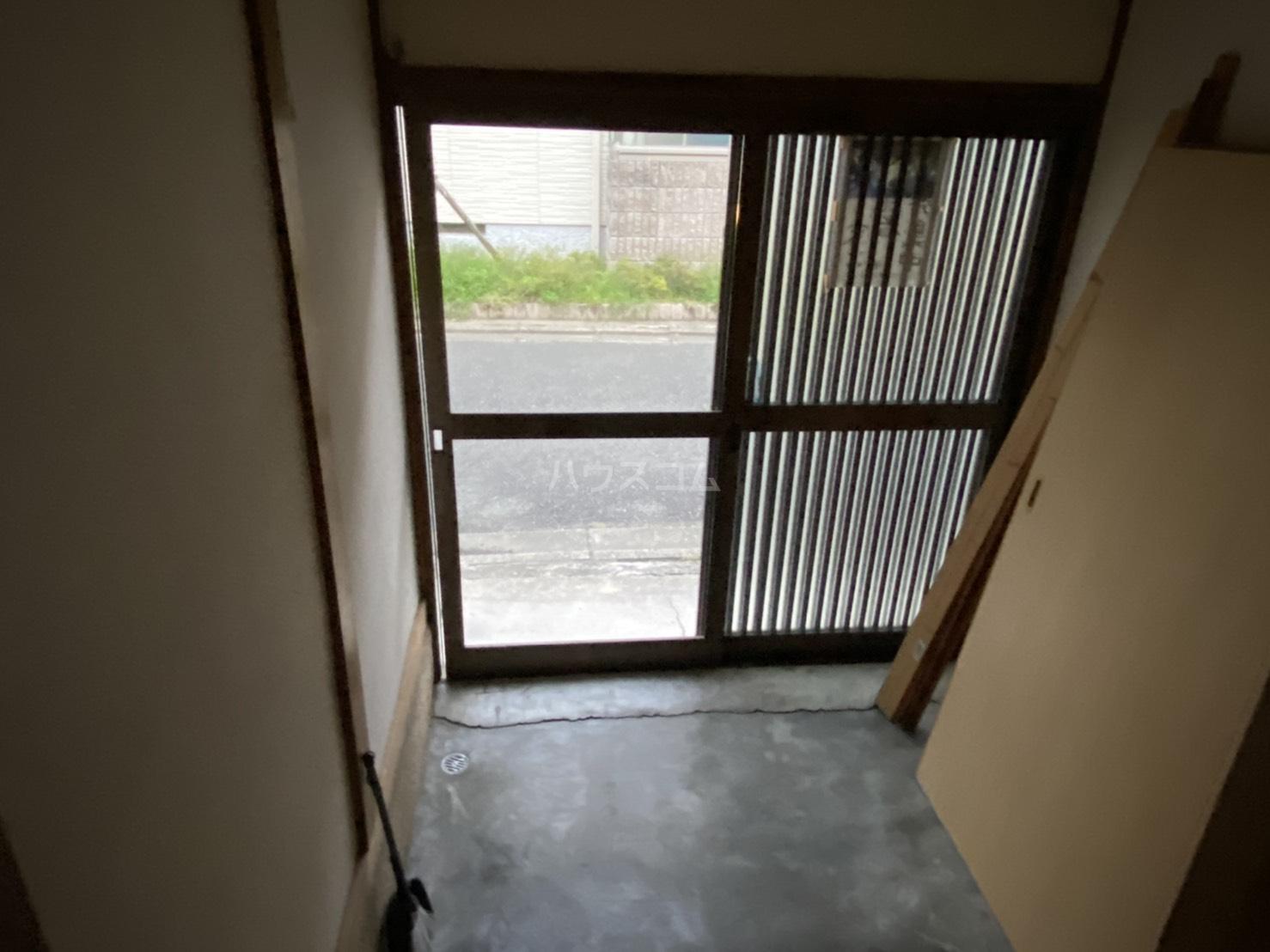 東裏町平屋の玄関