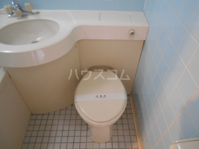 ノアーズアーク京都朱雀 408号室のトイレ
