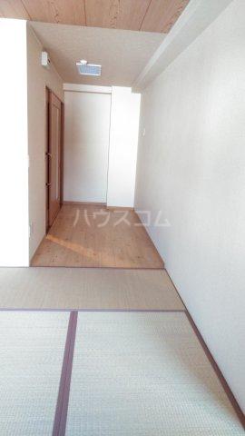 嵐山グランツガルテン 202号室の居室