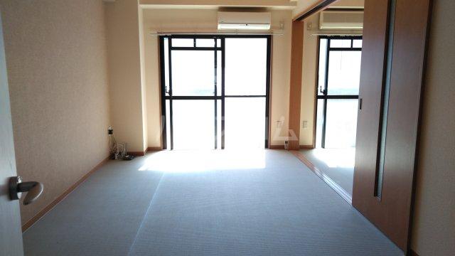 嵐山グランツガルテン 206号室の居室