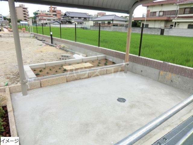 エテルノ貝塚A 03010号室の駐車場