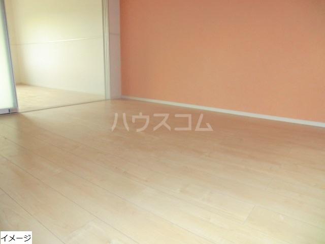 エテルノ貝塚B 01030号室の居室