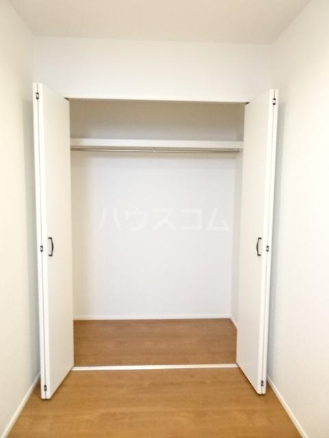 プルミエール山之手 301号室の収納