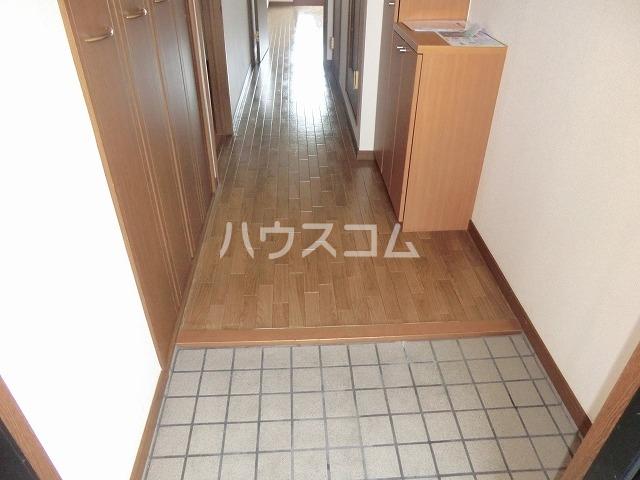 SOLE城山 303号室の玄関