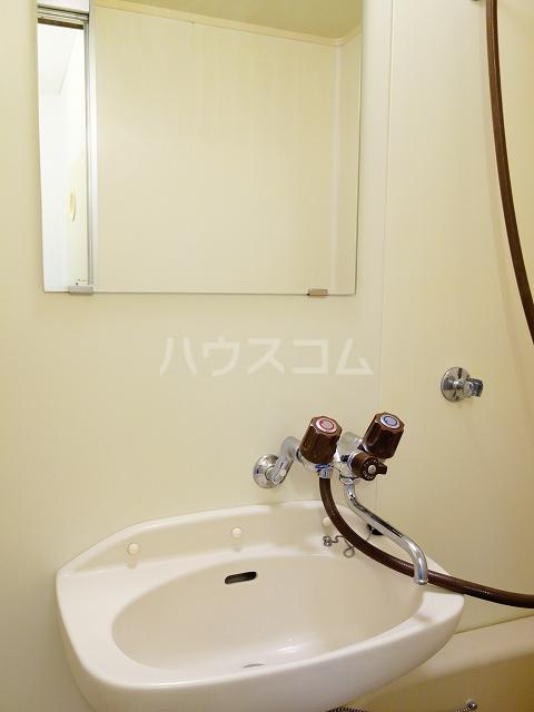 フラワーハイツ 02030号室の洗面所