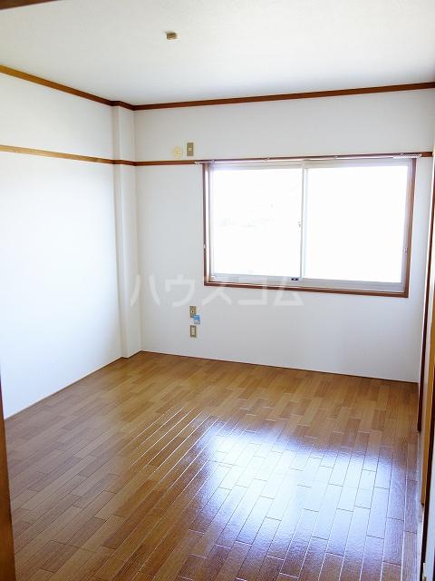 フラワーハイツ 02030号室のベッドルーム