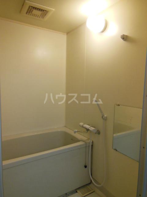 ポリフォニーSUGA 3D号室の風呂