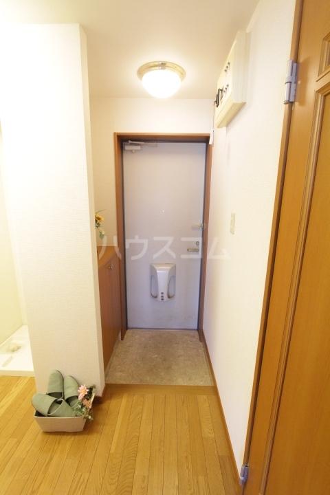 プランドール柿本 1A号室の玄関