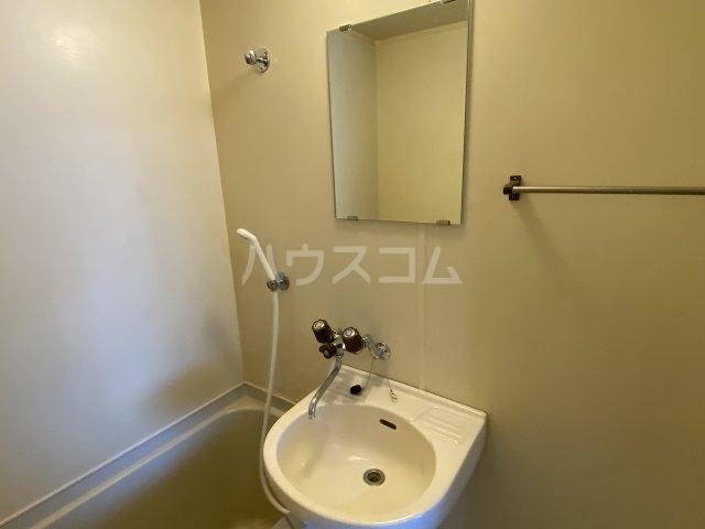 レッドモア 803号室の洗面所