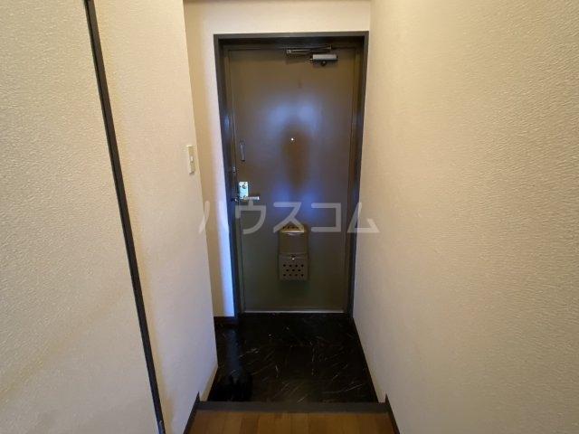 レッドモア 803号室の玄関