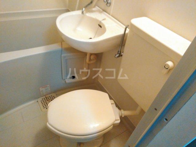 ジョイテル西院 616号室のトイレ