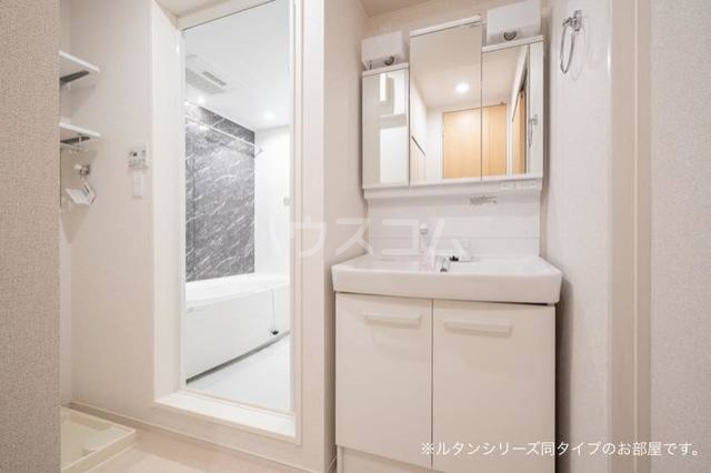 ガーデンハウス 梅の里 A 01020号室の洗面所