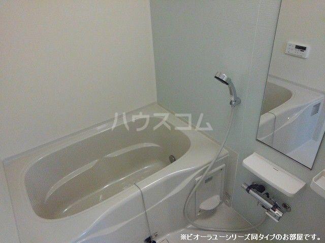 ガーデンハウス 梅の里 C 01010号室の風呂