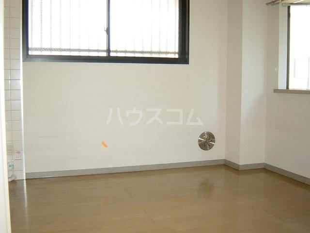 ヴァンベール文ヶ岡Ⅱ 202号室の居室