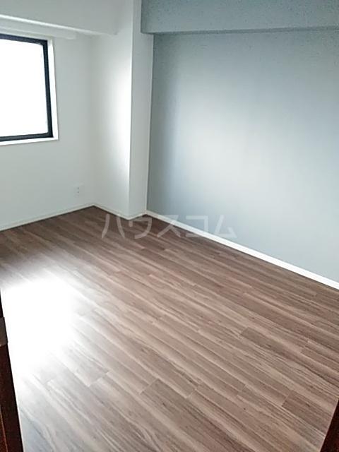 レジディア目白 704号室の居室