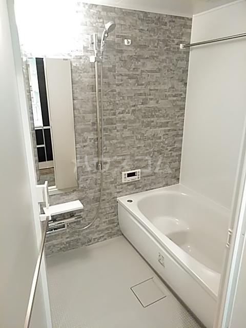 レジディア目白 704号室の風呂