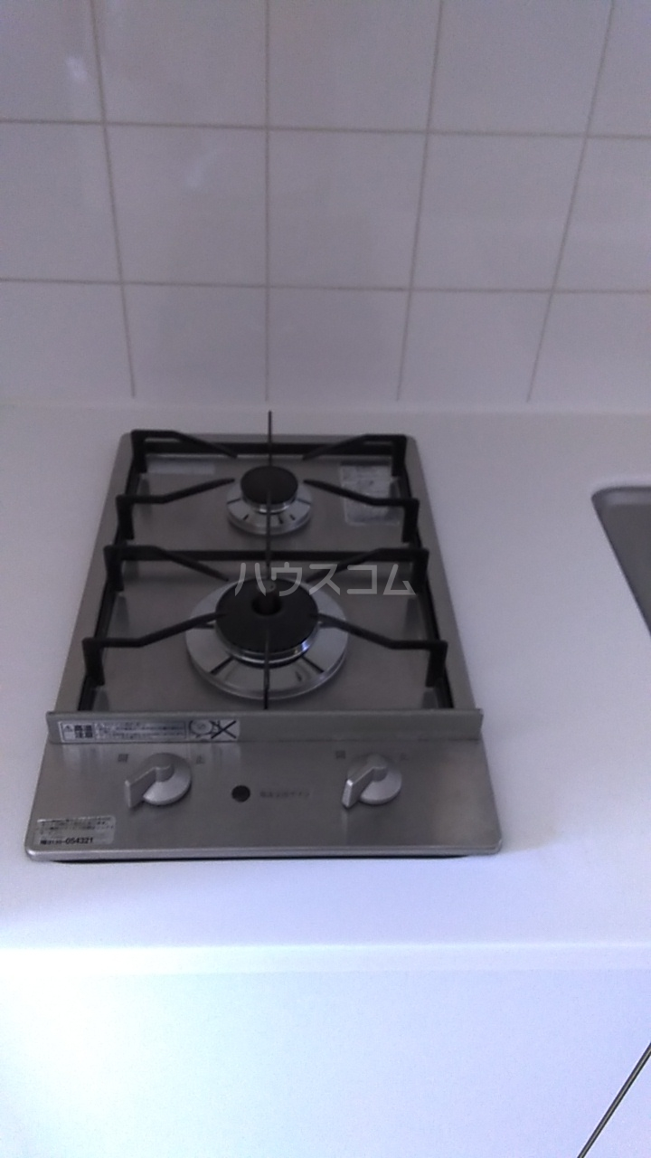 レジディア目白Ⅱ 302号室のキッチン
