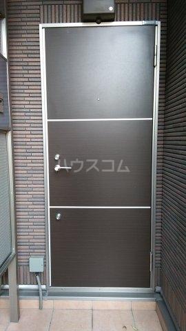 トラウム亀有 202号室の玄関