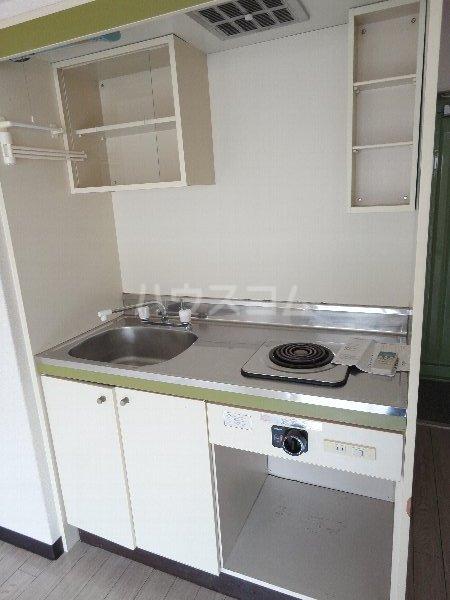 サンウイング桂 210号室のキッチン
