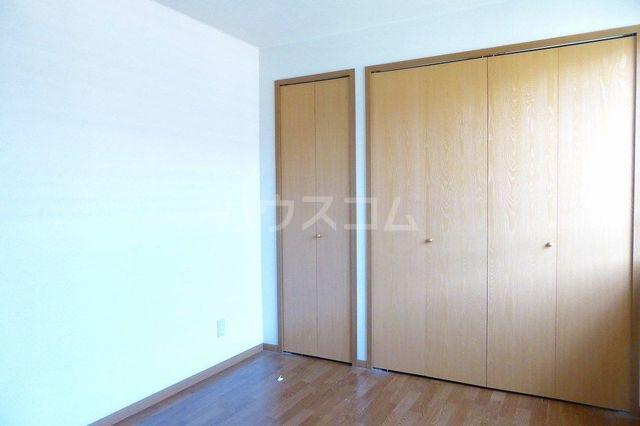 グランプラース 02030号室の収納