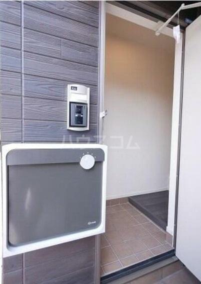 ゴールデン ブラウン 02030号室の玄関