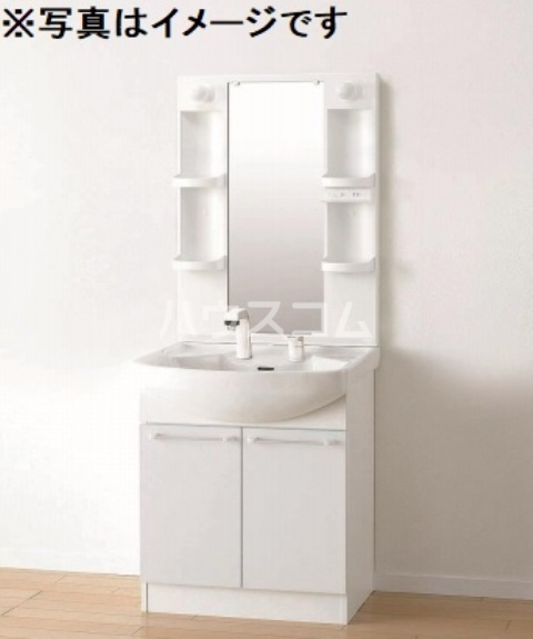 Luana 202号室の洗面所