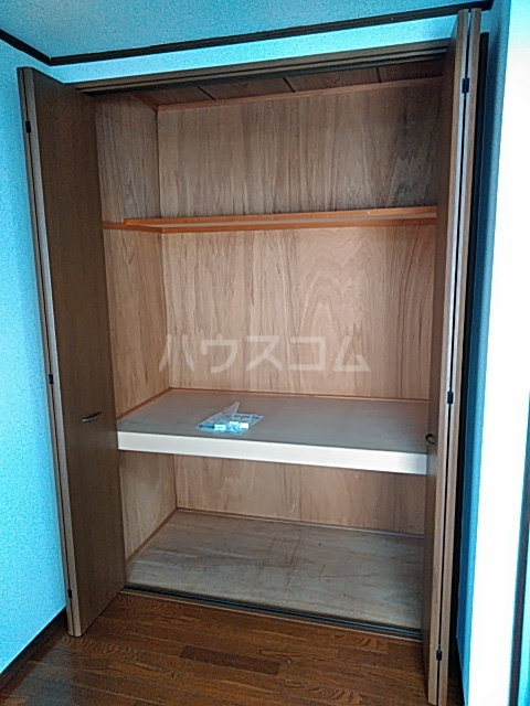 プラザハシモト 201号室の収納